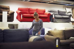 Возврат мебели в течение 14 дней без объяснения причин: закон о защите прав потребителей по поводу сдачи товара надлежащего качества